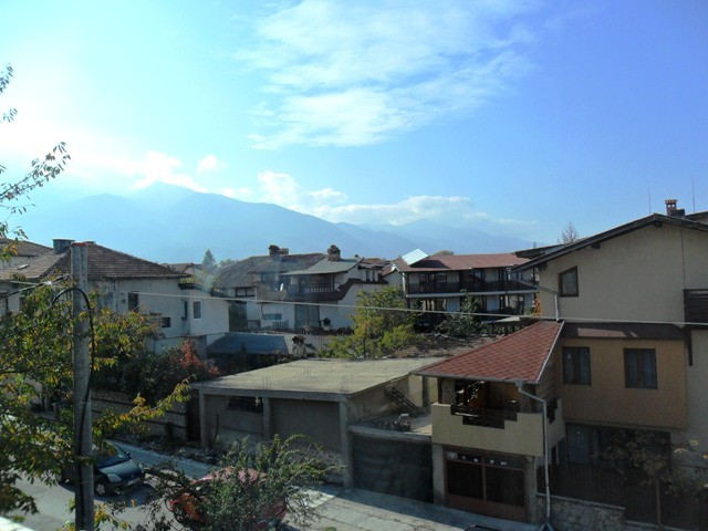 bansko-bulgaria-studio-apartment-residential-building-2hysbRQeyYdRb6oJ