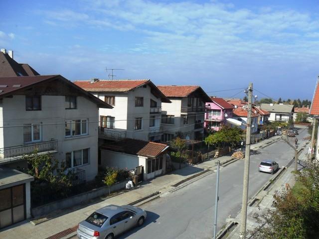 bansko-bulgaria-studio-apartment-residential-building-9iSbuRC8YFeldy9n