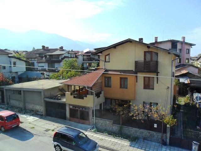 bansko-bulgaria-studio-apartment-residential-building-Jg3IWRcLsbkgwHST